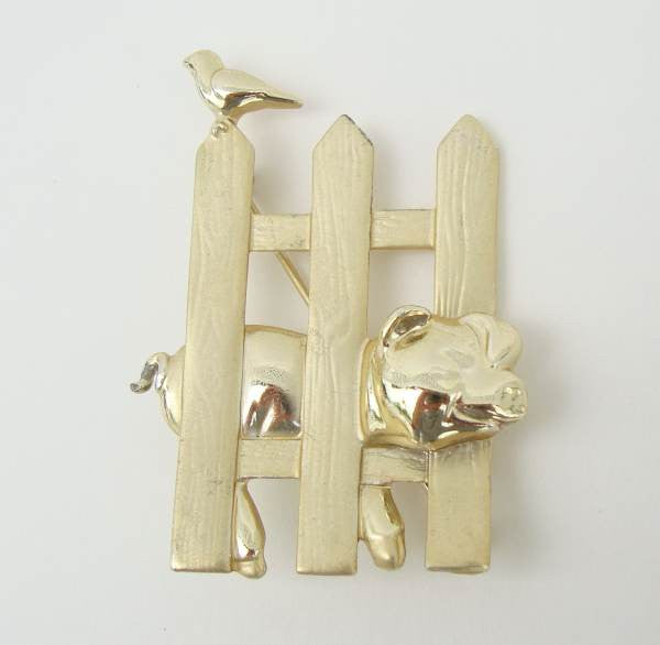 AJC Pig Stuck in a Fence Brooch Bird Figural Jewelry