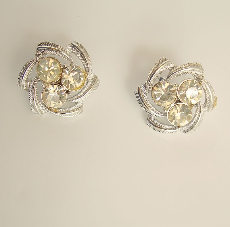 Coro Sparkling Rhinestone Clip On Earrings Fab Vintage Jewelry