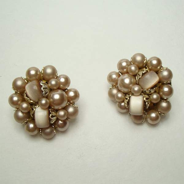 Japan Beige Moonglow Lucite Cluster Clip On Earrings Vintage Jewelry