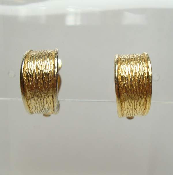 Small Goldtone Hugglie Hoop Earrings Clip Ons Vintage Jewelry