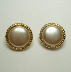 Mabé Pearl Button Clip On Earrings Goldtone Vintage Jewelry