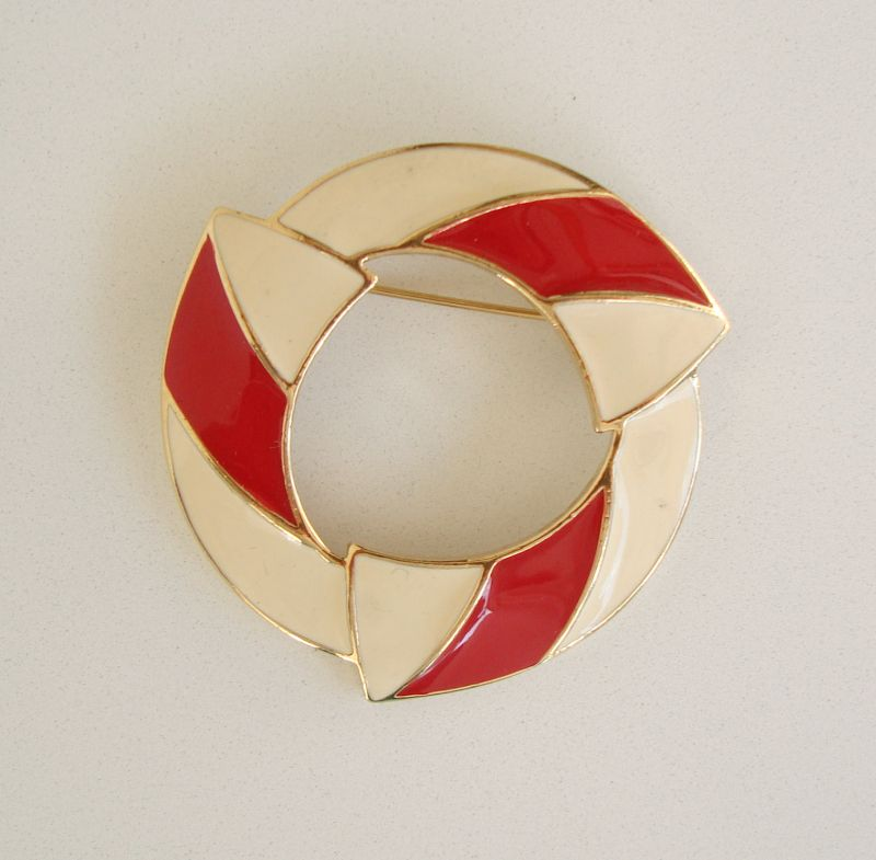 Trifari Red White Enamel Circle Pin Great University School Color Jewelry