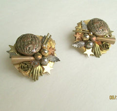 Dangro Beth Unusual Clip Earrings Hand Stars Globe Leaves Vintage Jewelry