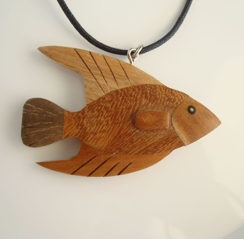 Fun Wooden Fish Pendant Necklace Marine Sealife Jewelry
