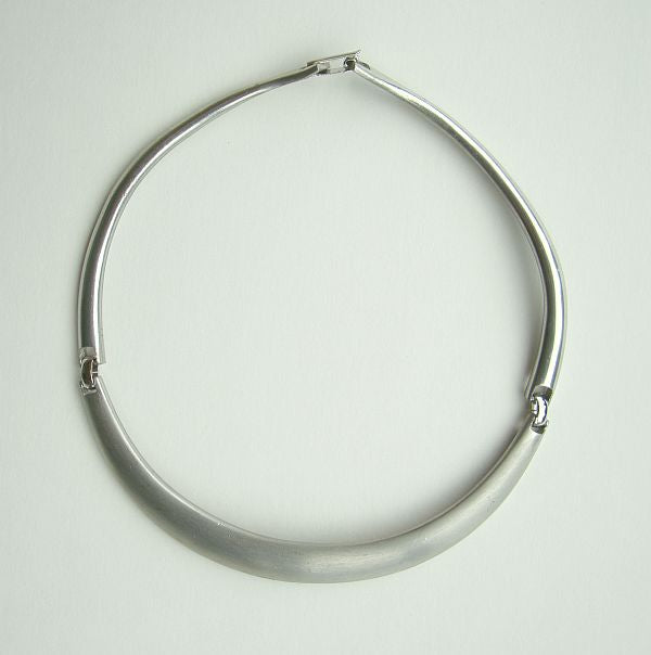 Mod Satin Silvertone Collar Necklace Flexible Joints Vintage Jewelry