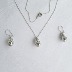 Pear Shaped Delicate Pendant Necklace Earring Set Vintage Jewelry