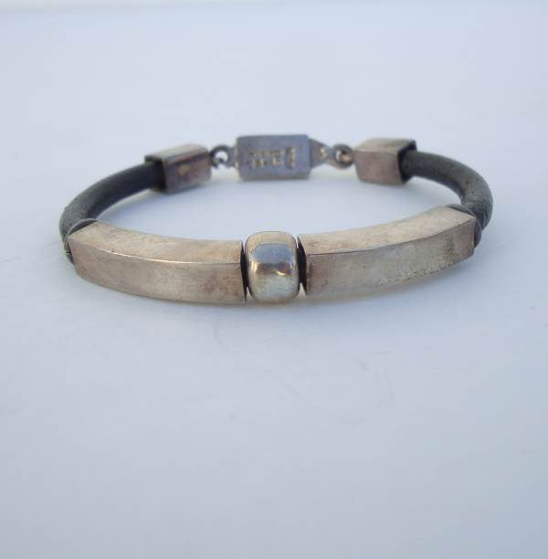 Taxco Mexican Sterling Silver Bracelet Leather Mod Design TH-40 Vintage Jewely