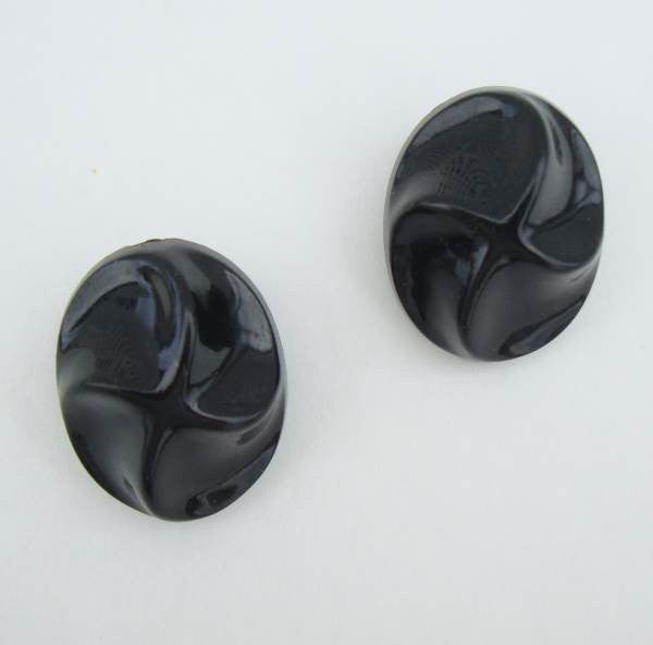 Germany Lightweight Black Plastic Curved Star Clip On Earrings Vintage Jewelry
