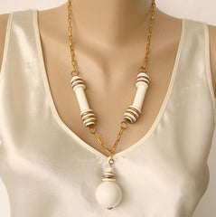 Retro White Goldtone Necklace Art Deco Style Vintage Jewelry