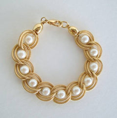 Pearl Bracelet Double Hoop Curb Links Textured Goldtone Jewelry