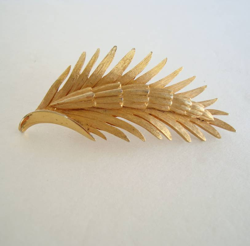 PIM signed Goldtone Fern Pin Vintage Floral Jewelry