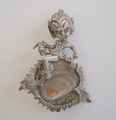Pewter Leprechaun Brooch Abalone Paua Shell Accent Figural Jewelry