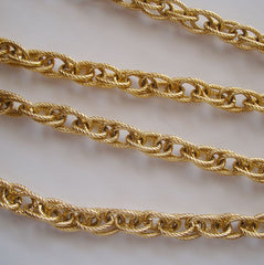 Lightweight Adjustable Chain Swag Necklace Textured Goldtone jewelry