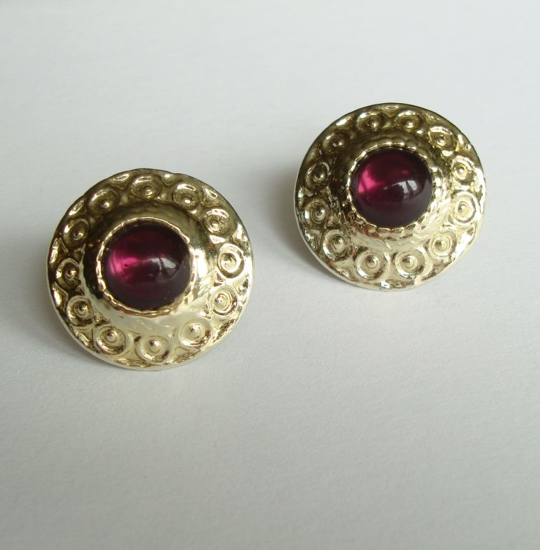 Acrylic Amethyst Clip On Earrings Lightweight Goldtone Vintage Jewelry