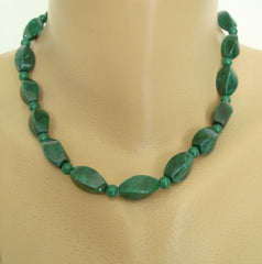Green Nephrite Jade Necklace Curved Polished Stones Gemstone Jewelry
