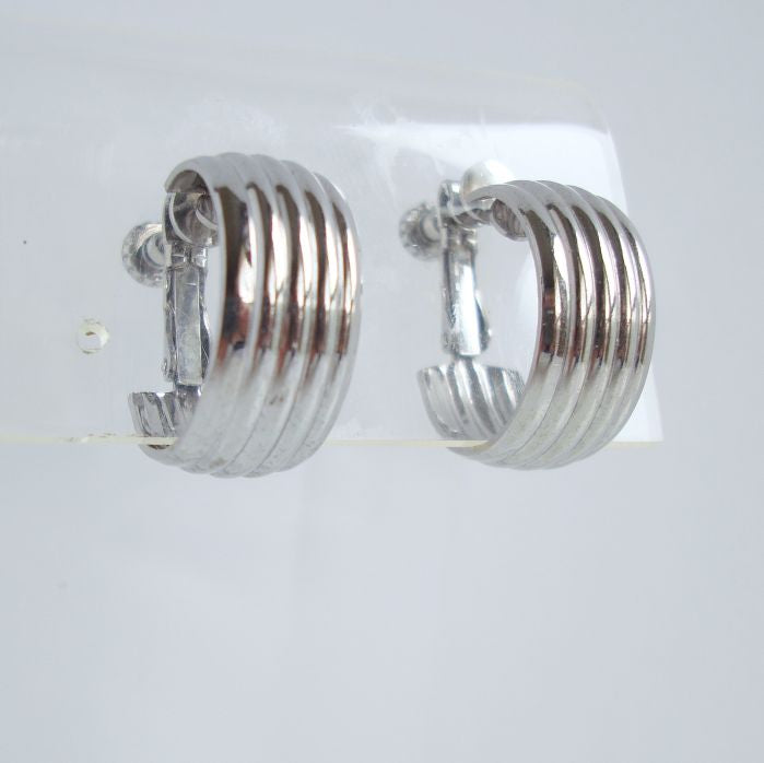 Ribbed Hoop Earrings Ajustable Clip Ons Vintage Jewelry