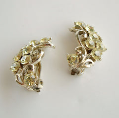 Sparkling Light Peridot Rhinestone Clip On Earrings Vintage Jewelry