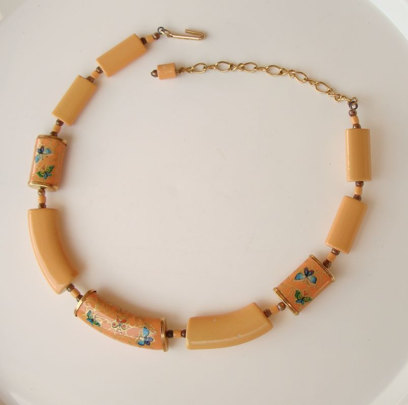 Japan Peach Butterfly Transferware Choker Necklace Vintage Figural Jewelry