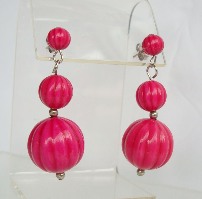 Tri-Level Raspberry Colored Ribbed Beads Dangle Pierced Earrings