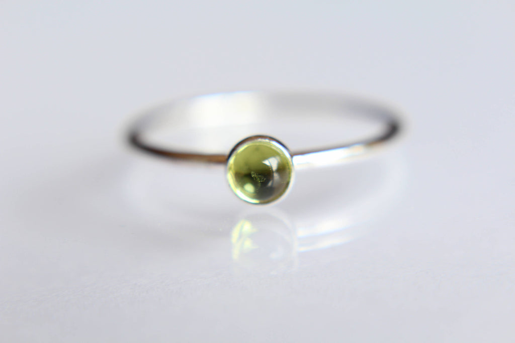 Peridot Ring, Natural Green Gemstone Jewelry, Simple Stacking Ring, Silver Peridot Ring, Peridot Jewelry, Green, Minimalist Ring, August