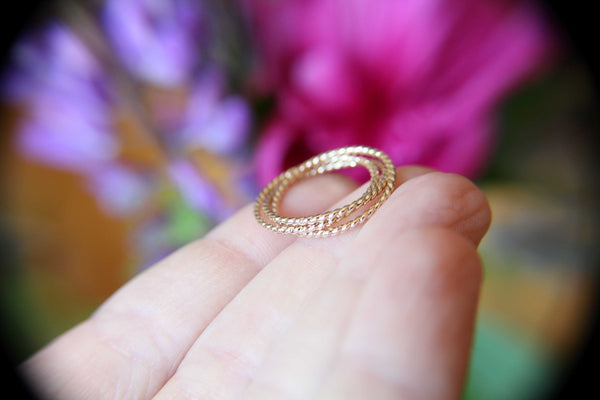 Gold Interlocking Ring,Thumb Ring,Rope Band, Gold Thumb Ring, Textured Ring, Rolling Ring,Stacking Ring, Minimalist Ring, Unique Ring, Rings