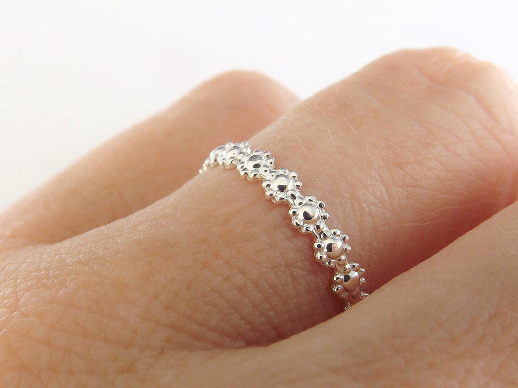 Simple Floral Ring,Nature Ring,Thin Silver Band,Stacking Ring,Silver Flowers Ring,Floral Band,Simple Band,Dainty Ring,Boho Chic,Minimalist