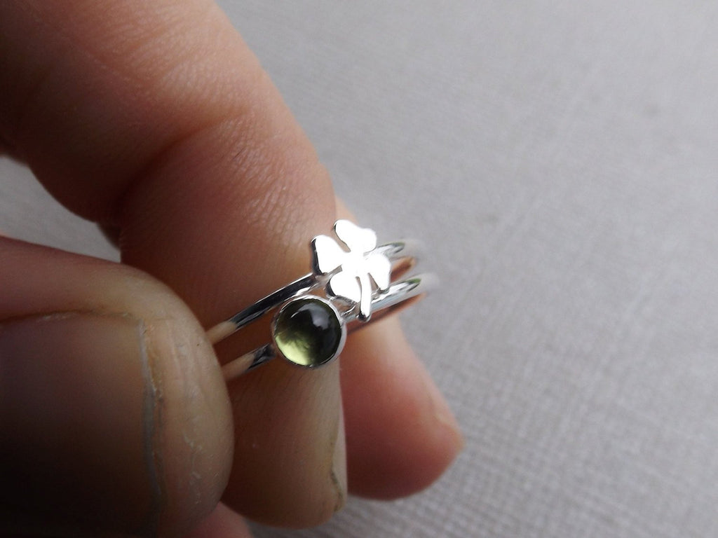 Clover & Peridot Lucky Ring Set,Minimalist Rings,Stacker Rings,Lucky Stacking Rings,Clover Jewelry Ring,Rings,Modern Minimalist Fashion