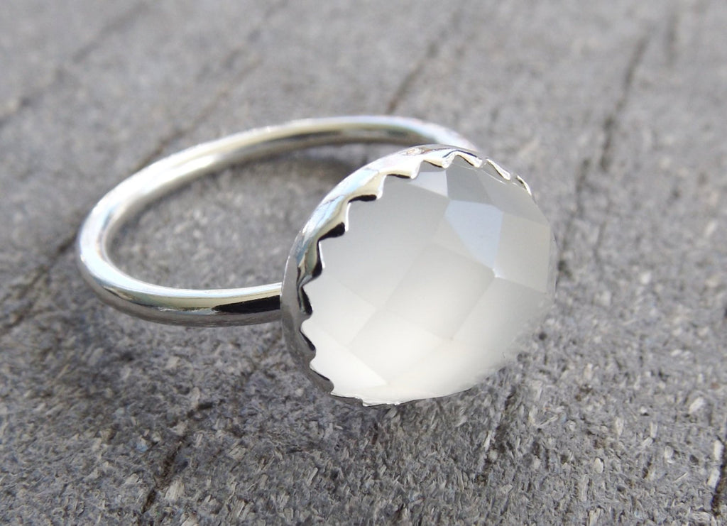 Onyx Ring, Faceted Onyx Ring, Large Onyx, White Onyx, Faceted Gemstone, Large Gemstone Ring, Simple, Minimalist, White, Boho Chic, Unique