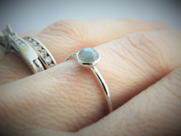 5mm Grey Moonstone Ring, Gray Moonstone Ring, Simple Minimalist Ring, Natural Gemstone, Gemstone Stacking Ring, Moonstone Ring, Simple Band