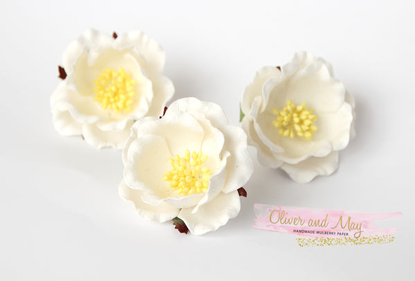 5 pcs Mulberry Paper Flowers - Polyantha Roses - 4.5cm in White