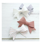 Little Lovely Bow - TRACE AND CUT - Plastic Template - Glitter Glitter On The Wall Exclusive
