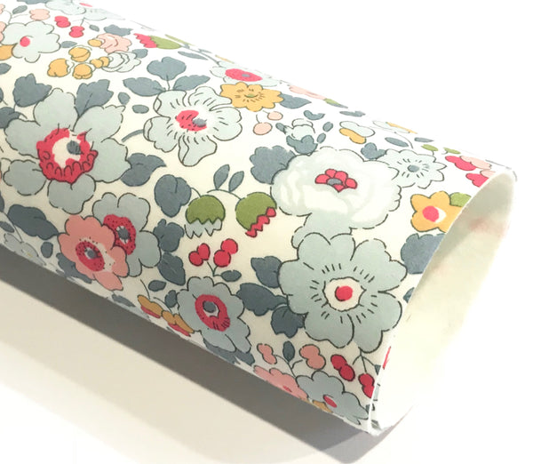 Liberty Betsy P Double Sided Fabric Sheets