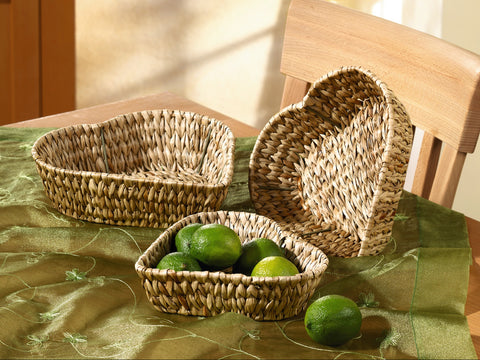 Rattan Heart Shape Plate, Braided Baskets, Rattan Style Bowl, Basket Heart Shape, Decorative Baskets Multipurpose Use Set of 3