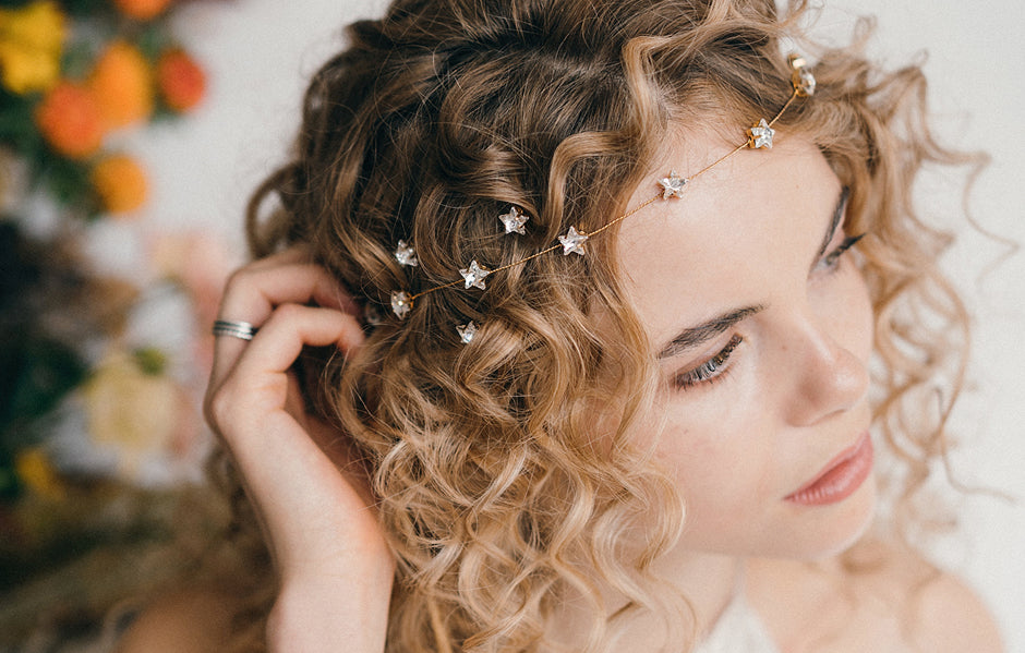 How To Style Wedding Hair Accessories With Curly Hair And