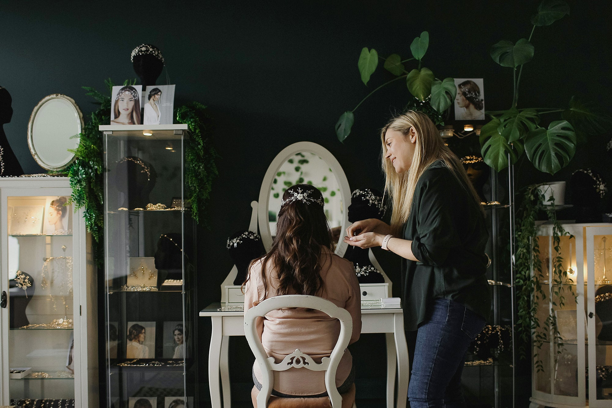A consultation with Debbie Carlisle for bridal hair accessories