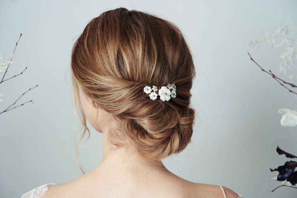 Simple flower wedding hair comb for bridal updo hairstyle