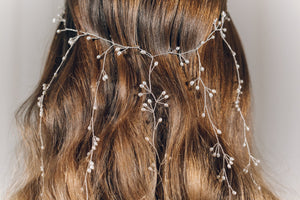 Veil hair vine with dangling strands in silver and freshwater pearl  - Elise