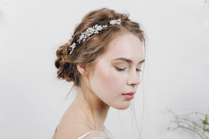 small bridal hair comb with wedding hair pins