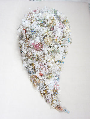 Lavish Teardrop Shower Brooch Bouquet