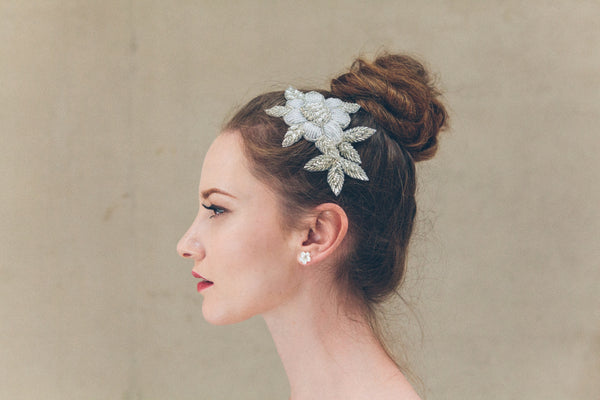 Rosa pearl wedding hair comb with Daisy mother of pearl flower earrings