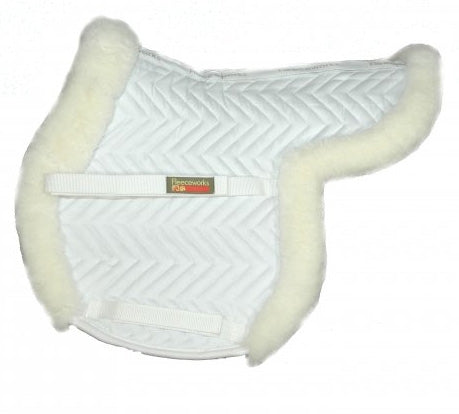 The perfect hunter shaped pad in real sheepskin by Fleeceworks.