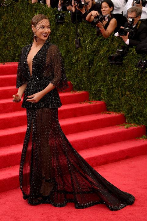 beyonce-givenchy-couture-gown-met-gala-h724