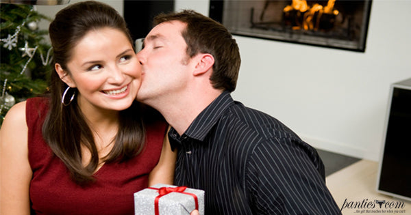 6 First Gift Tips to Impress Your Sweetie