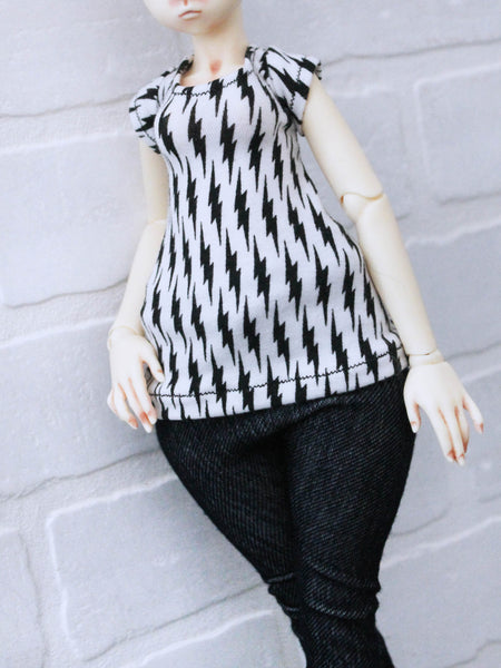 Striker lightening bolt short sleeve t shirt for Leeke World Art Body MSD BJD dolls READY to SHIP - Monstro Designs