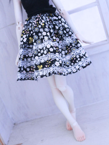 Floral Bees skirt for Minifee READY to SHIP