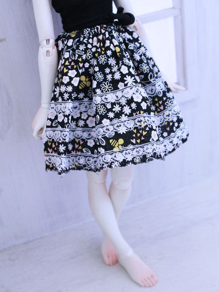 Floral Bees skirt for Minifee READY to SHIP - Monstro Designs