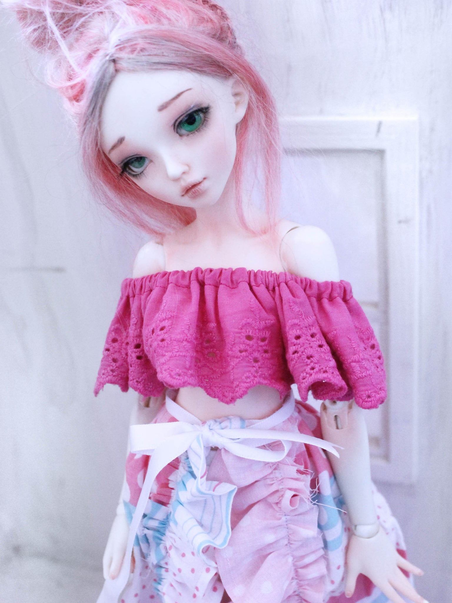 Pink ruffle crop top for mini super dollfie - Monstro Designs