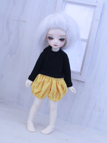 Yellow bumble bee bloomers for YOSD dolls - Monstro Designs
