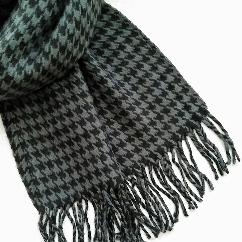 Unisex gray and black houndstooth fashion scarf