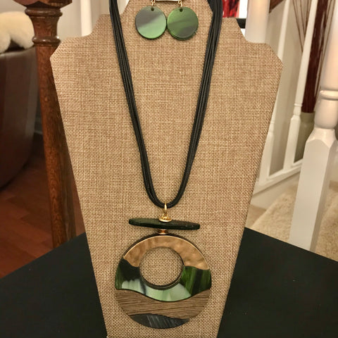 Large circle charm statement necklace set